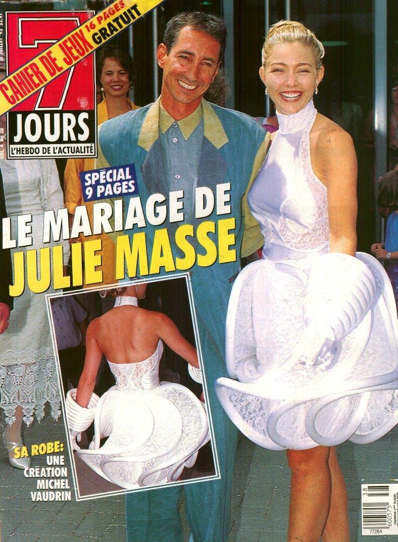 Julie masse site non officiel par andr carri re for Code de robe de mariage de palais de justice